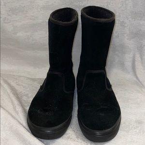Van's slip on boots